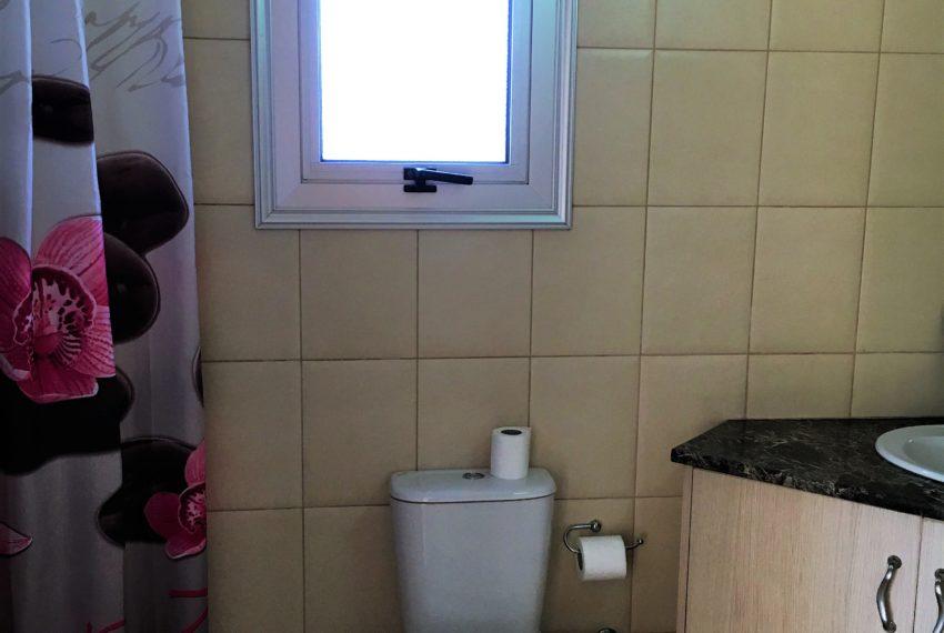 Fairways 1 Bathroom