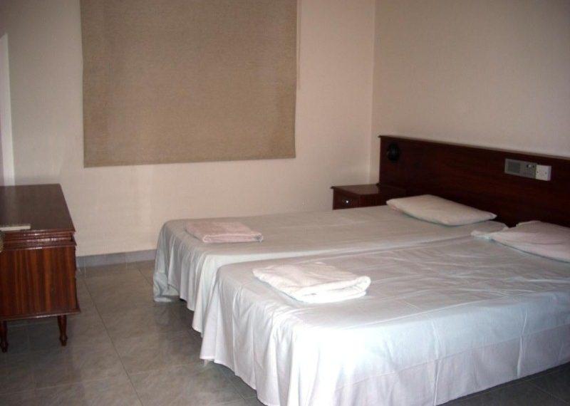 corinthia 21 bedroom (Custom)