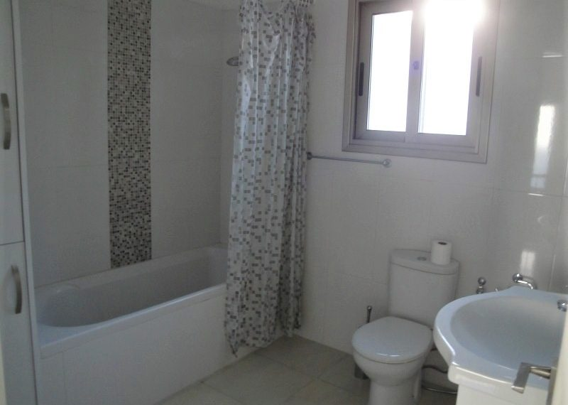 Houtan's House Bathroom 2